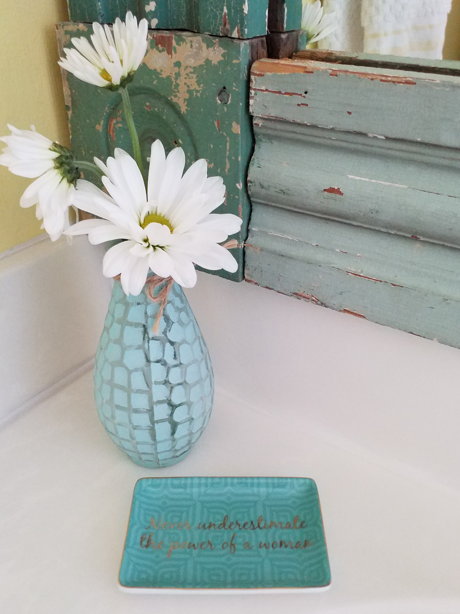 guest bath tray.jpg