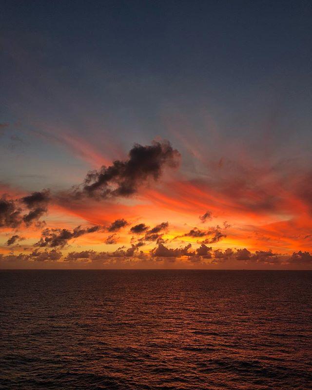 Insane sunset tonight. No filter! Isn't it amazing!?