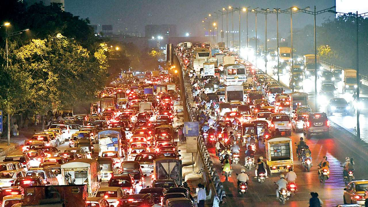 An example of the crazy Mumbai traffic - no surprise for a growing city of 30 million + people.