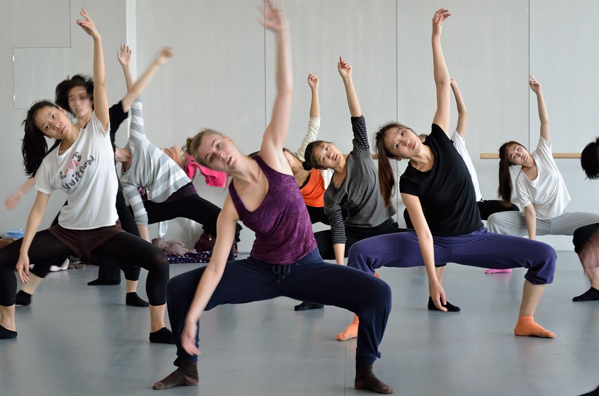 Studios/Kontakt/ Anmeldung - Unsere Leidenschaft für Tanz ist grenzenlos – wir sind sowohl in Füssen als auch in Reutte mit unseren Kursen für Sie und Ihre Kinder da. Wir freuen uns auf Sie!