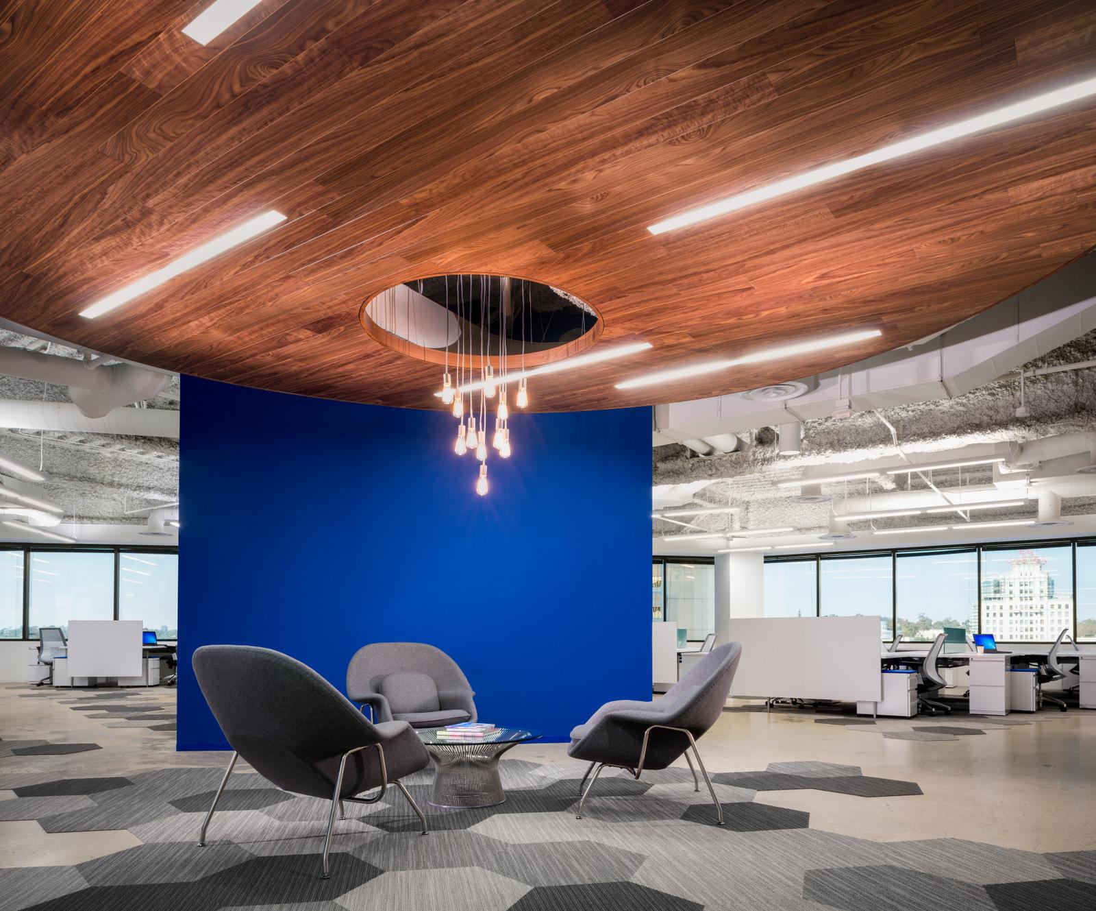 Knoll_Corporate_TheIrvingCompany_SanDiego_ReadyNow_Office_2.jpg