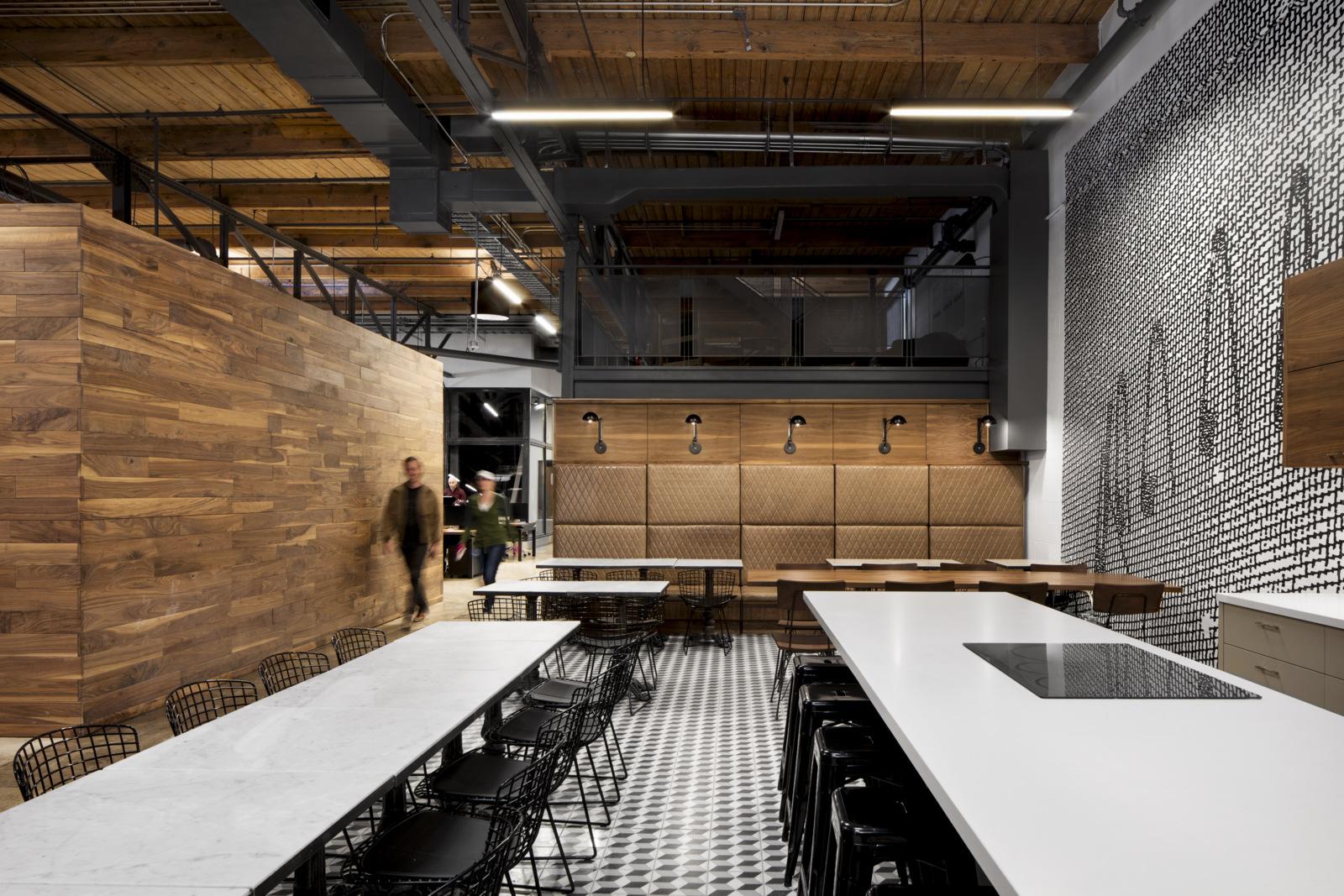 Knoll_Corporate_VICE_Toronto_1.jpg