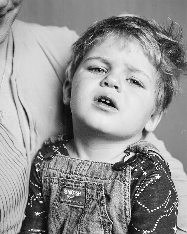 Pashkovskiy Portrait Studio  Family Portrait - @baraburu and @soolima  Arca-Swiss F-Classic 4x5+X-ray film (Fuji)