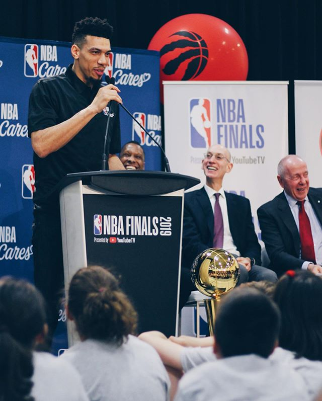 In partnership with Kaiser Permanente, the @NBA and the Toronto @Raptors are proud to open a new NBA Cares Learn & Play Centre at Jimmie Simpson Recreation Center. Danny spoke on behalf of the players and shared a message with the kids to inspire them to strive for the best. #NBACares #NBAFinals ⠀⠀⠀⠀⠀⠀⠀⠀⠀⠀⠀⠀⠀⠀⠀⠀⠀⠀ 📸 @amjedosman