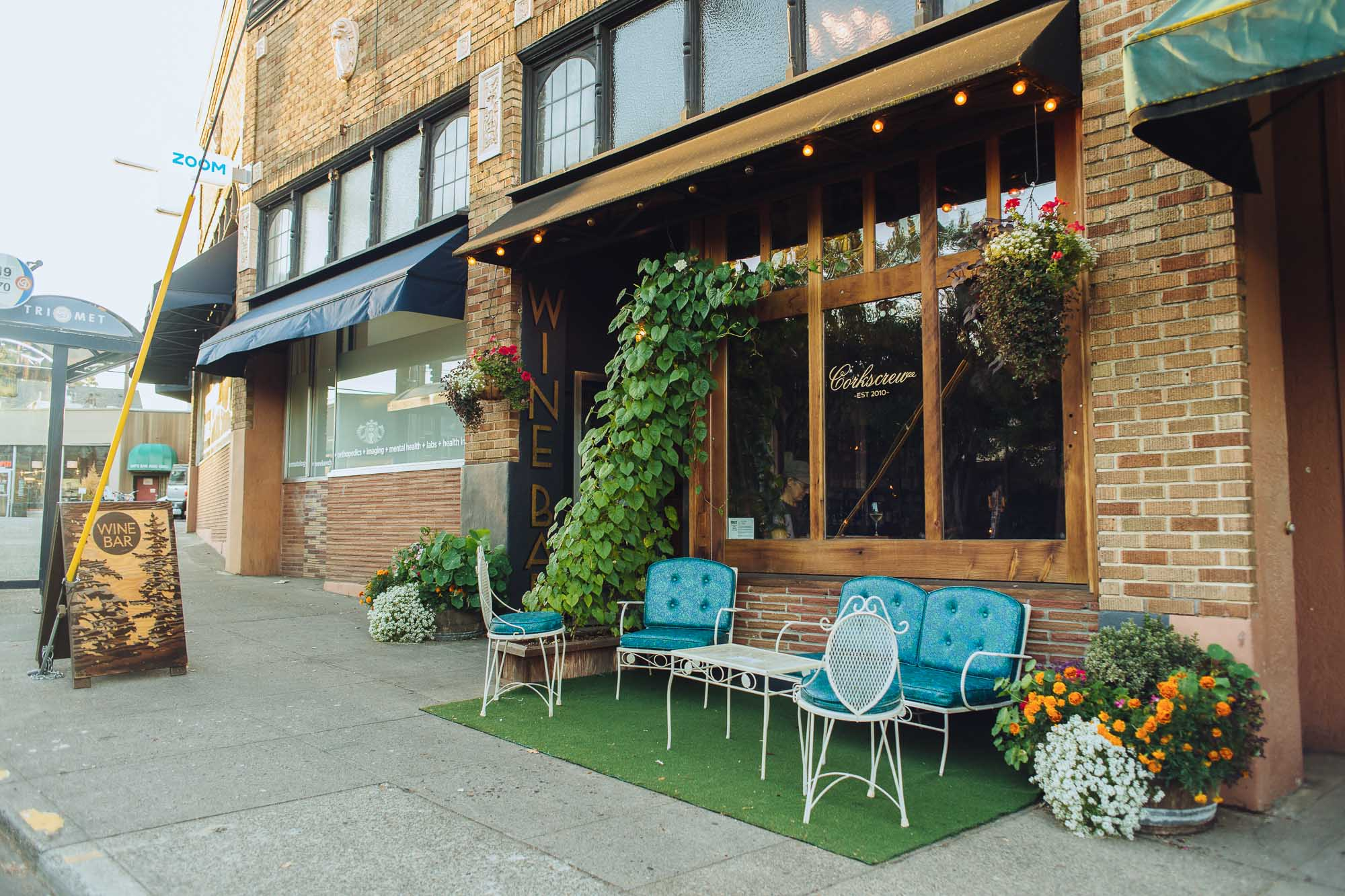 visit-sellwood-moreland-business-alliance_corkscrew-wine-bar-6.jpg