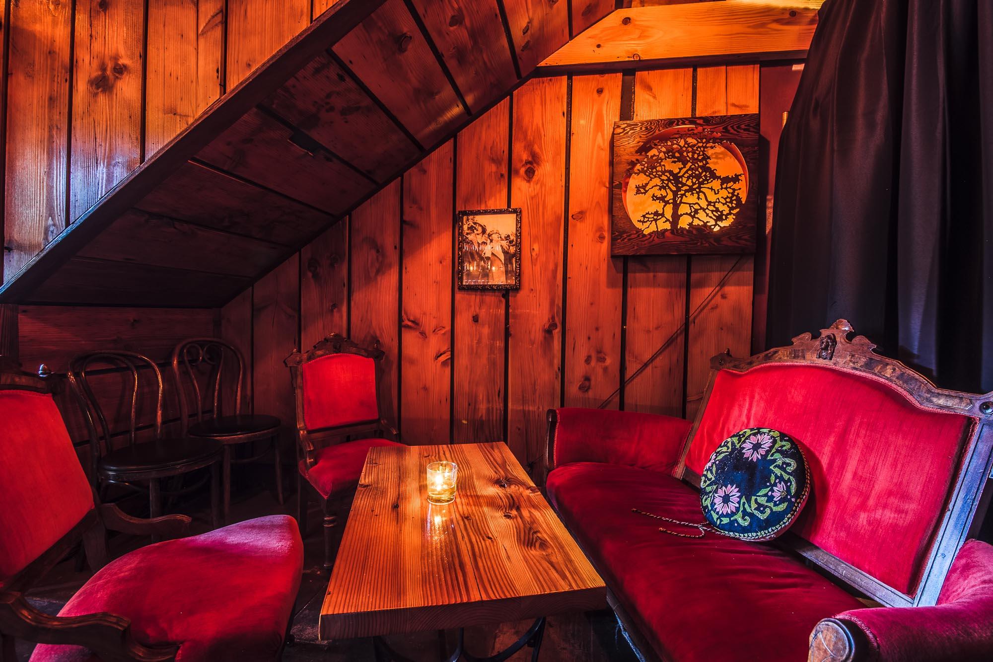 visit-sellwood-moreland-business-alliance_corkscrew-wine-bar-4.jpg