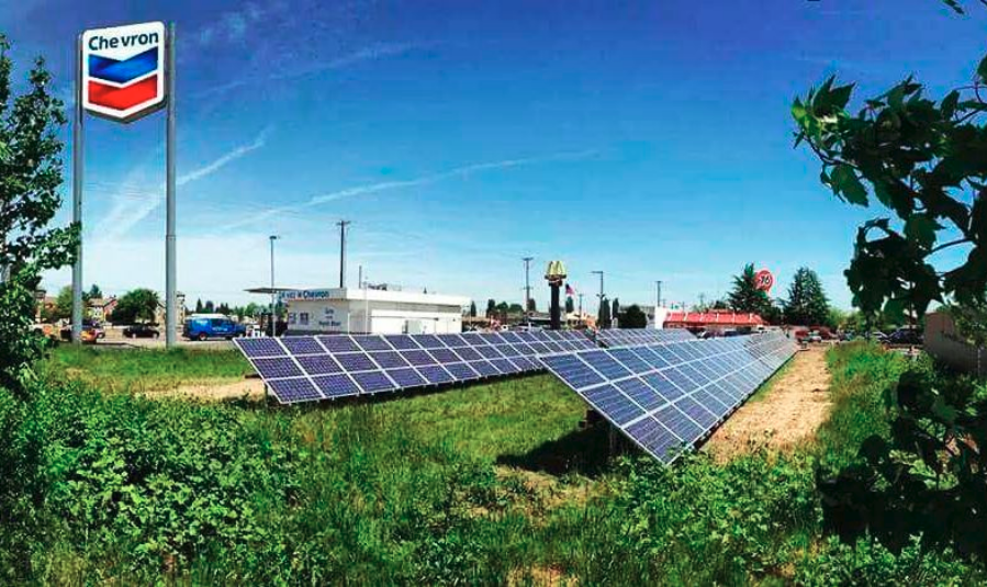 Gas station powered by solar energy