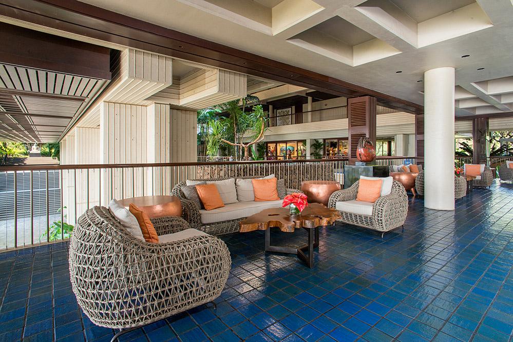 Mauna-Kea-Beach-Hotel-Lobby-seating-40.jpg