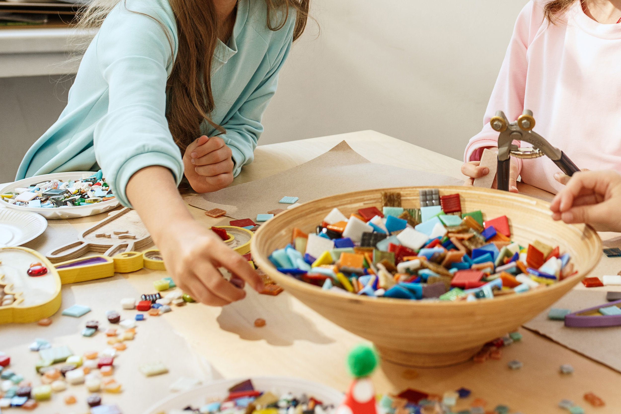 SUMMER WEEK 2 - July 8th to 12th - VISUAL STORYTELLING THROUGH MOSAICS.  AGES 5-8 & 9-12. Students will learn how to plan and create beautiful imagery through the variety of patterns and colours of mosaic pieces and other materials.  STUDENTS will learn about the art of mosaics: where and when mosaics were used throughout history, planning and development of imagery and storytelling as well as applying mosaic techniques. See more below.