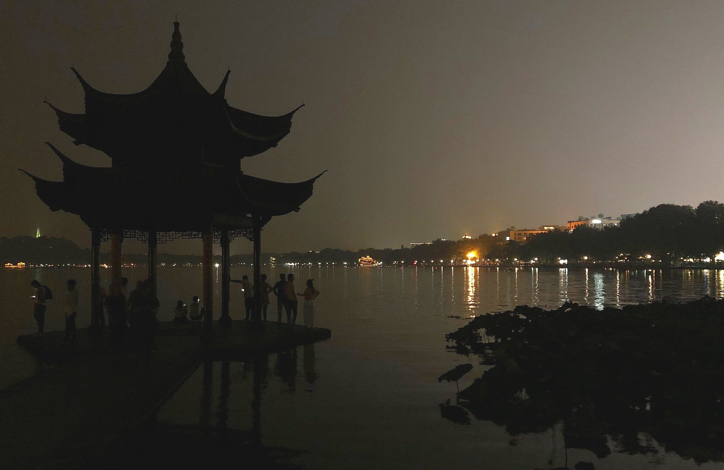 [view from a walkway at West Lake]
