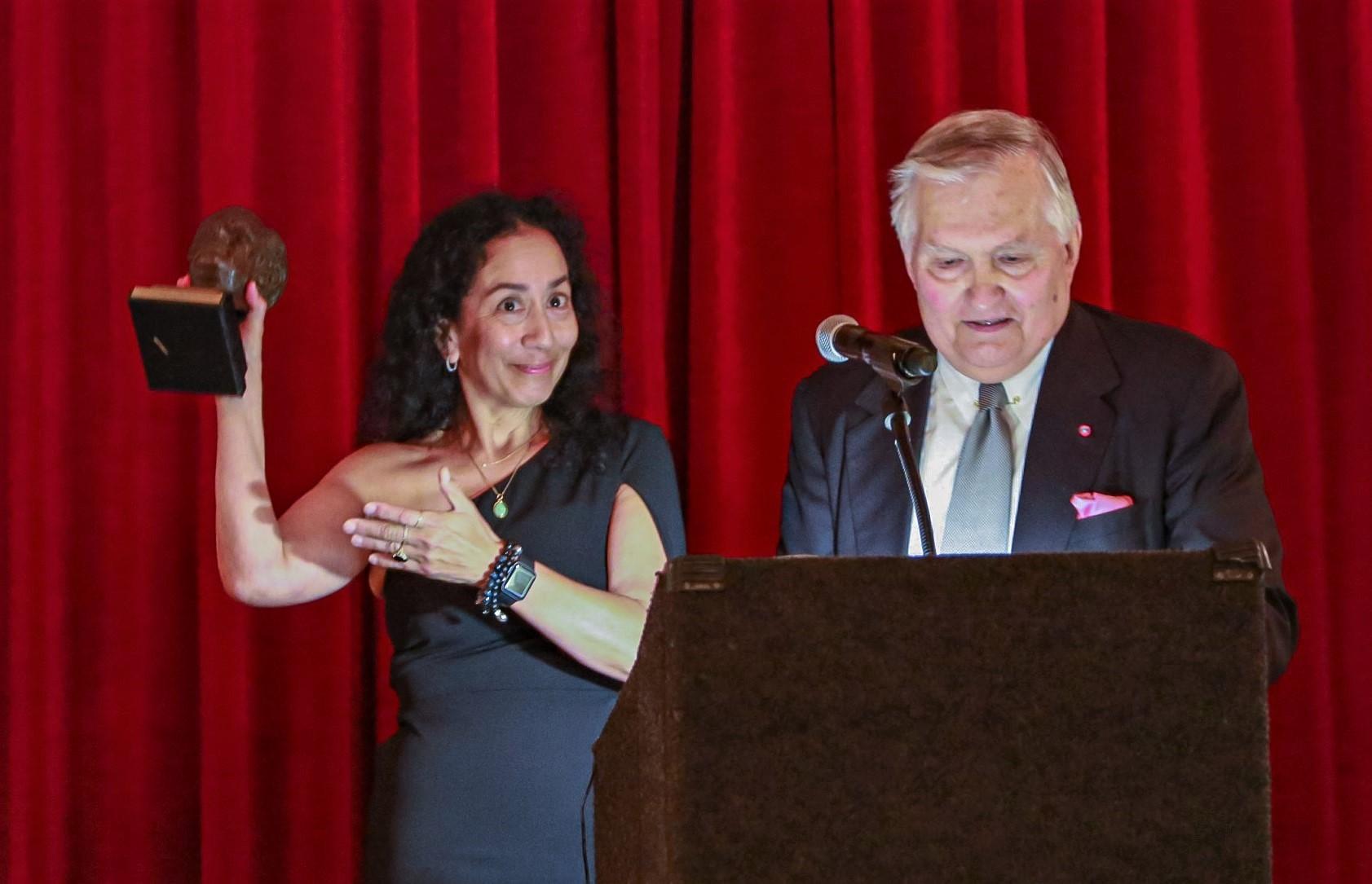 Karen accepting the Melvin Belli Award.