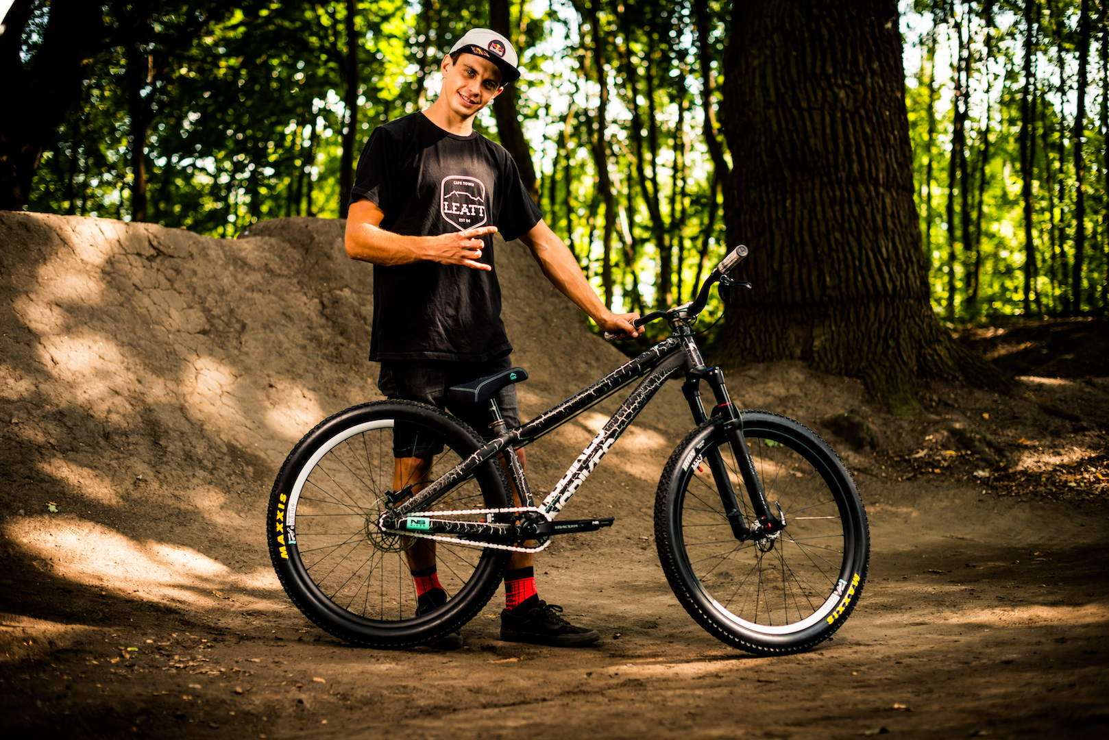 szaman bike check-46 web.jpg
