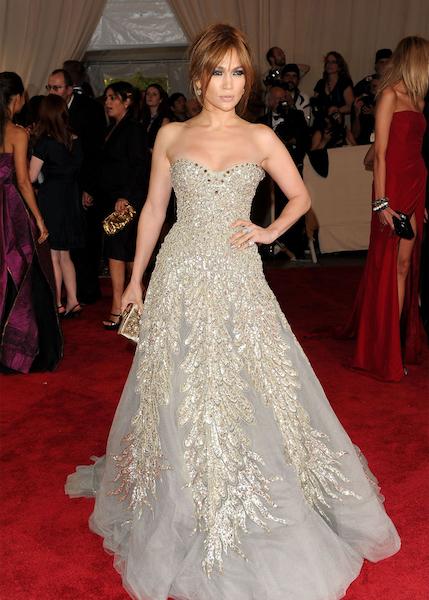 Jennifer Lopez in Zuhair Murad 2010.jpg