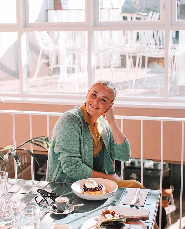 Smiling because it's almost the weekend @moby3143 📷 via @felixandscott - - -  #moby3143 #melbournebrunch #highstreet #armadale