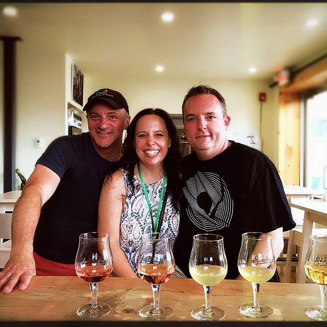 With your stay at the charming @innonthegreenvt you can add a custom tasting tour with us, and see and sample the winning taste like those here at @shacksbury cider.