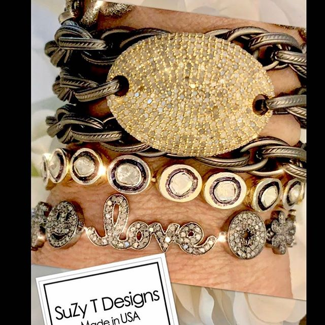 Must-Have @Suzy tdesigns jewelry to accessorize those summer outfits!✨💫⚡️ • #summerjewelry #summerfashion2019 #thetravelersshow #thegotoshowinthemidatlantic