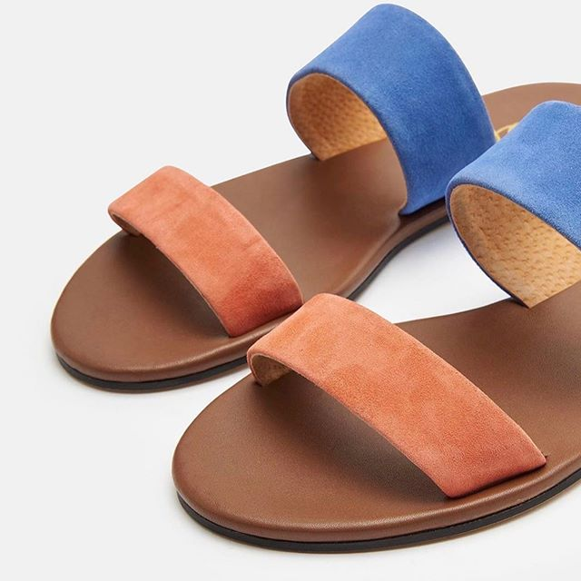 Tuesday is for Toes! 🧡💙 TY @joules for making our toes look oh so fabulous! 💙🧡 #summercolors #summertoes #summerfashion2019 #joules #thetravelersshow #thegotoshowinthemidatlantic