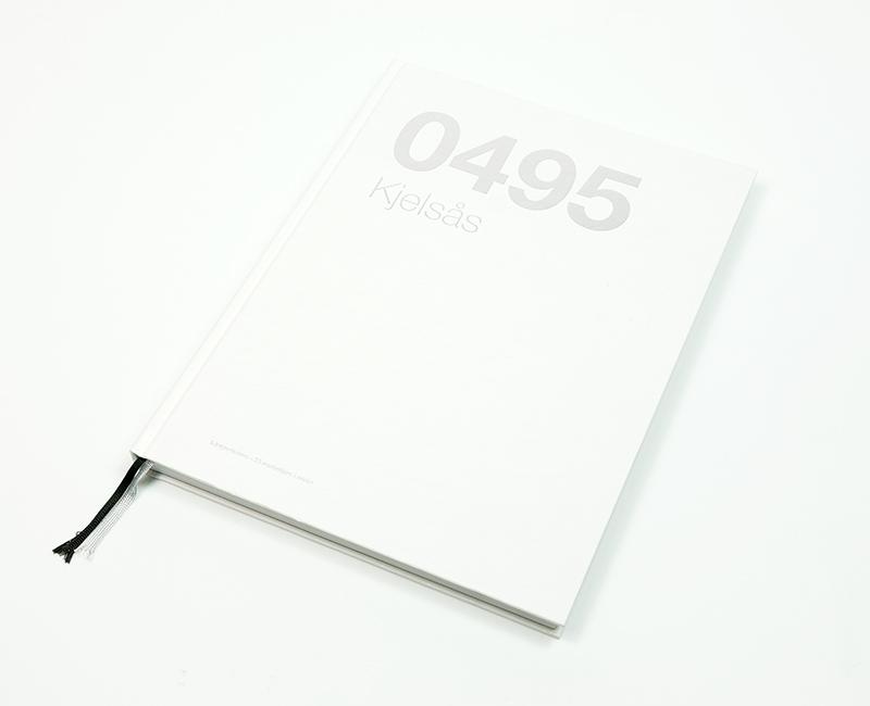 Hardcover bok 3