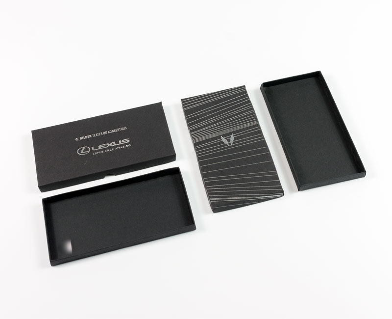 Billetteske i sort kartong