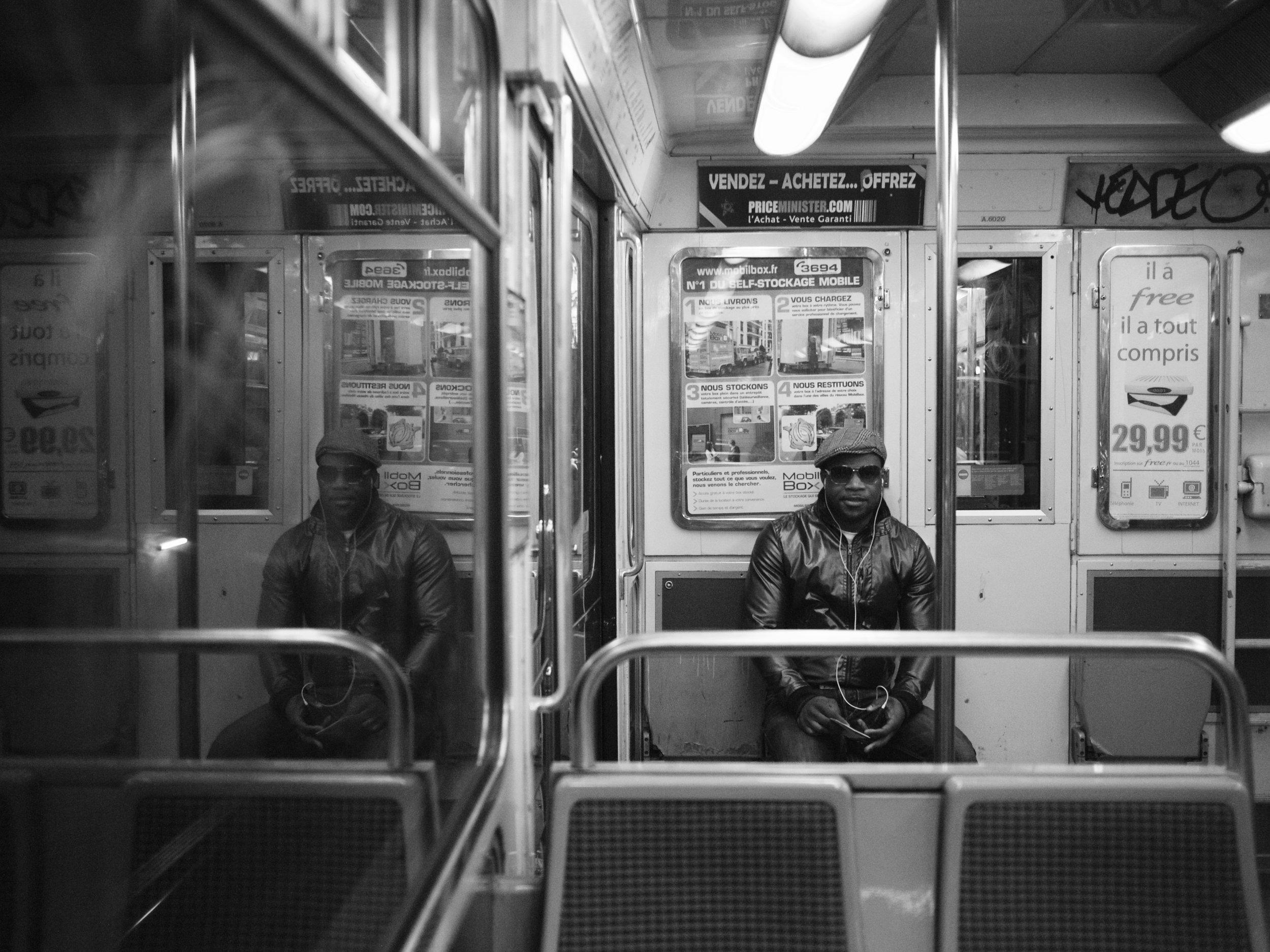 11. Ligne 4, Paris.jpg