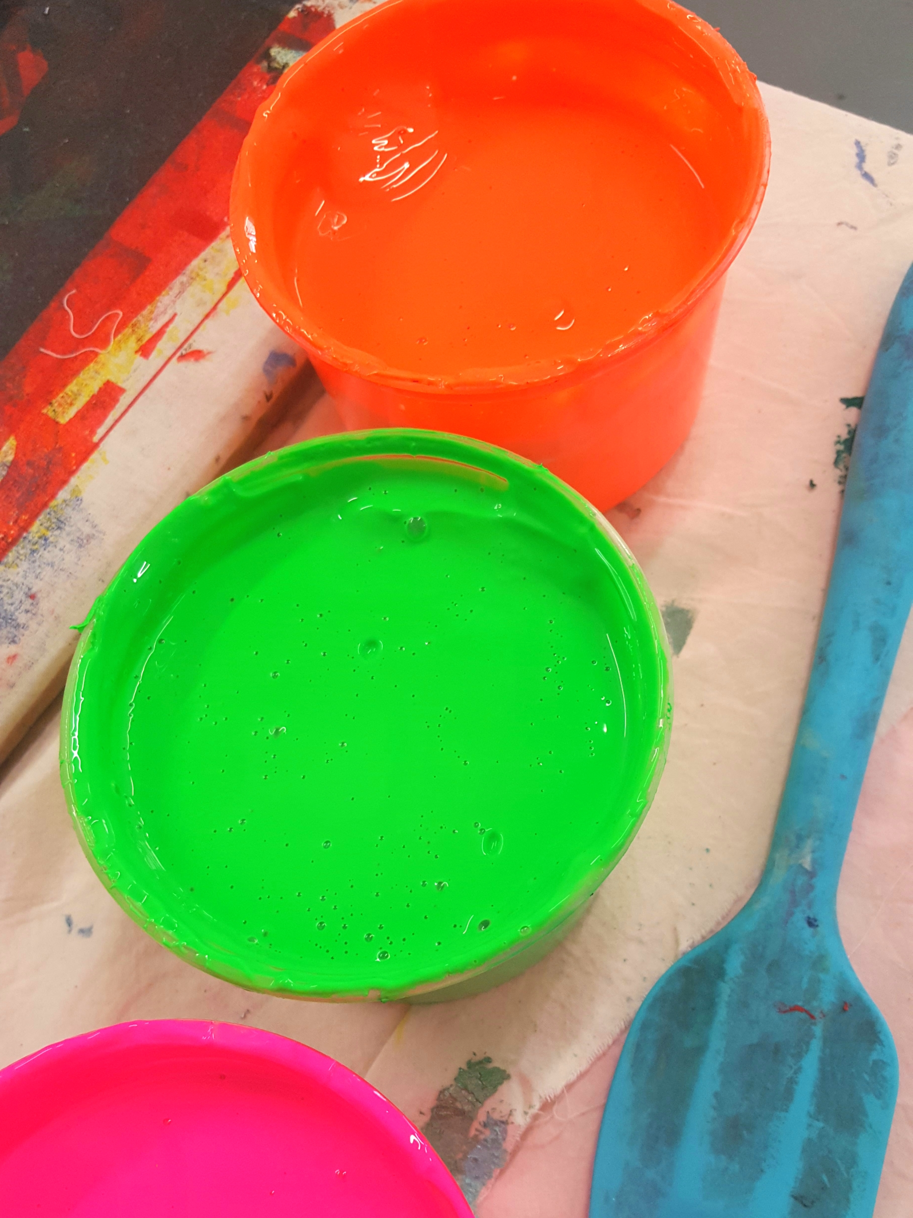 fluorescent-screen-printing-inks