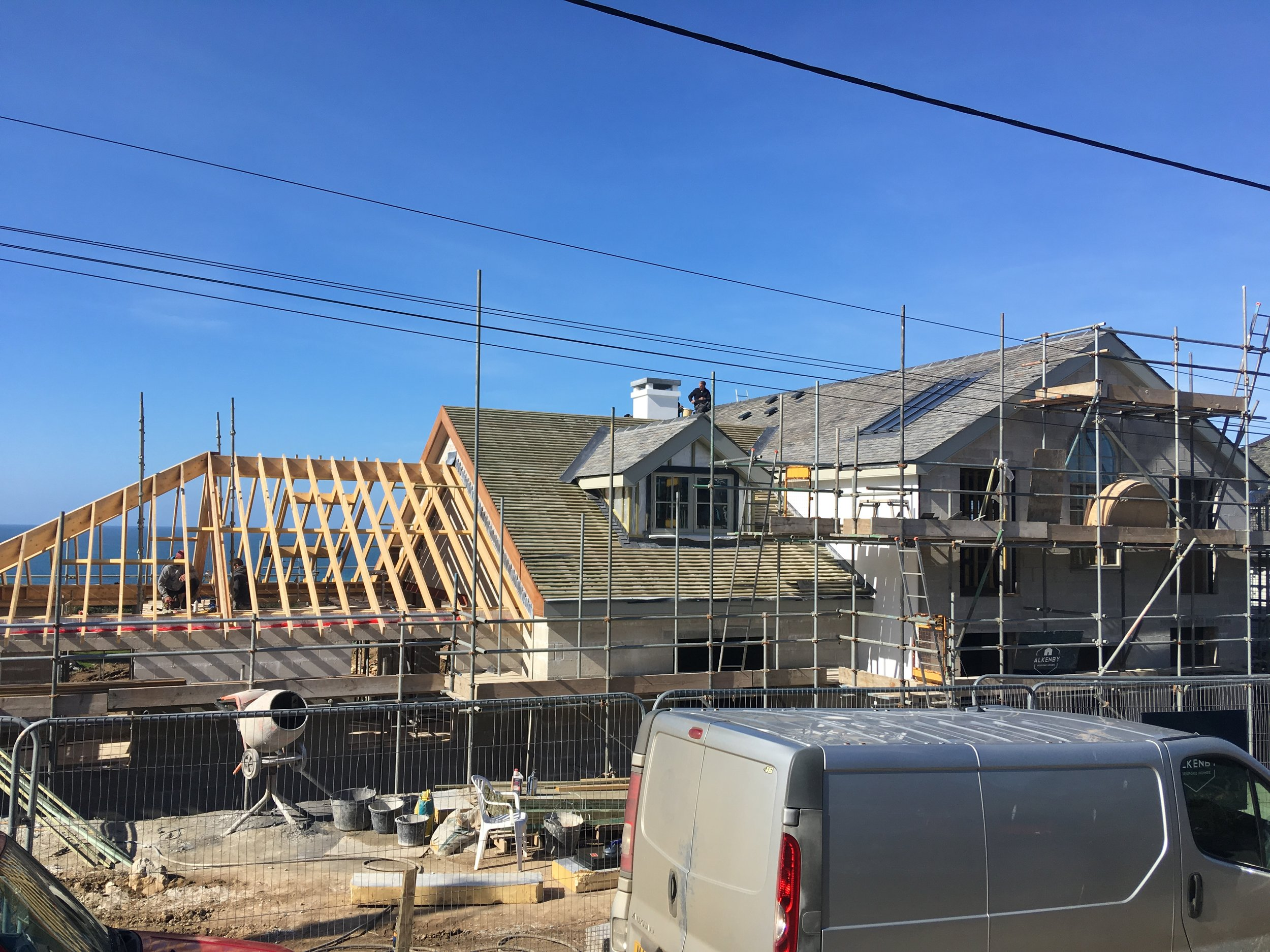 Truss and Tie arrives, final roof going up (March 23rd 2019)