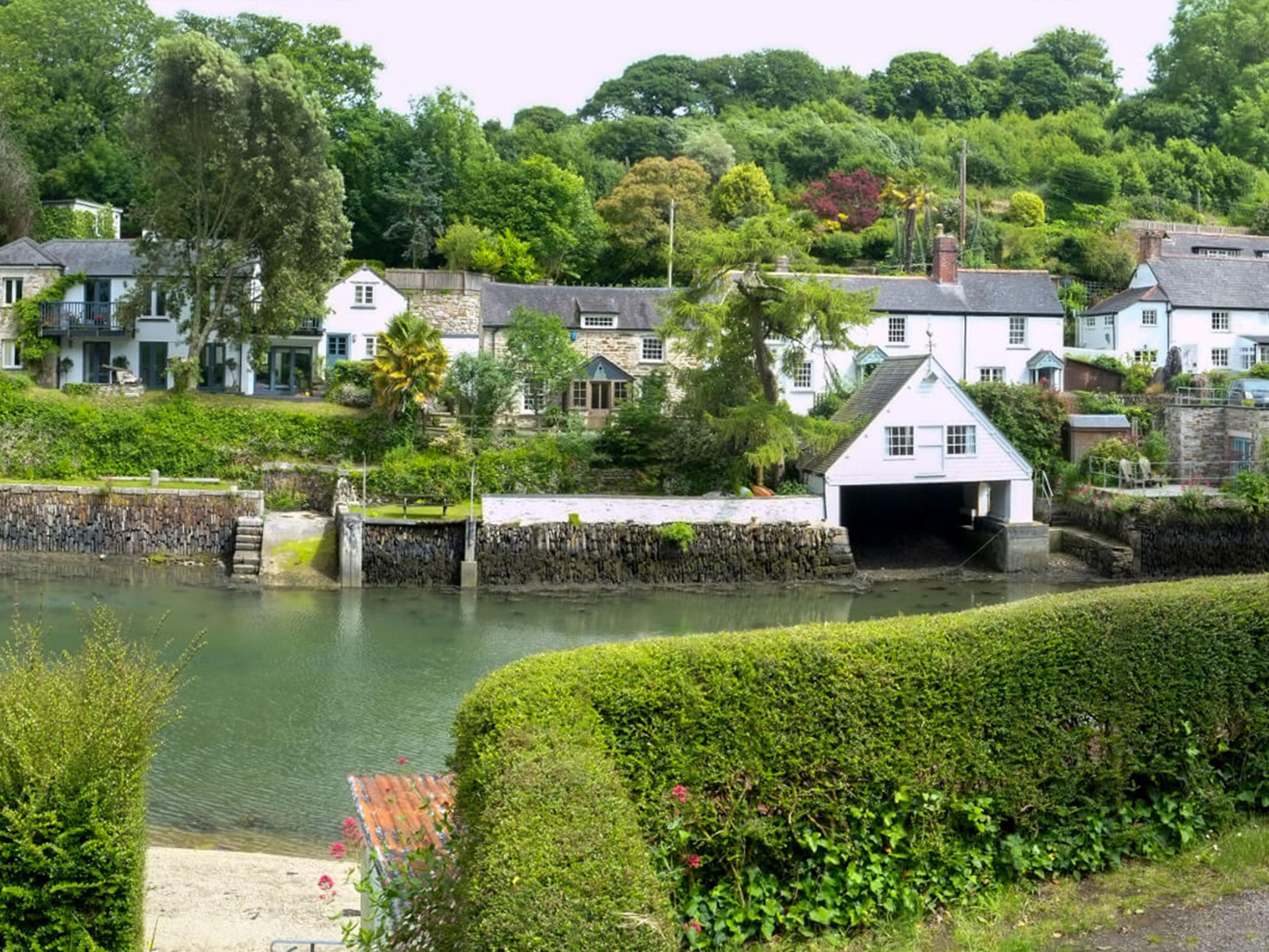 Helford Village.jpg