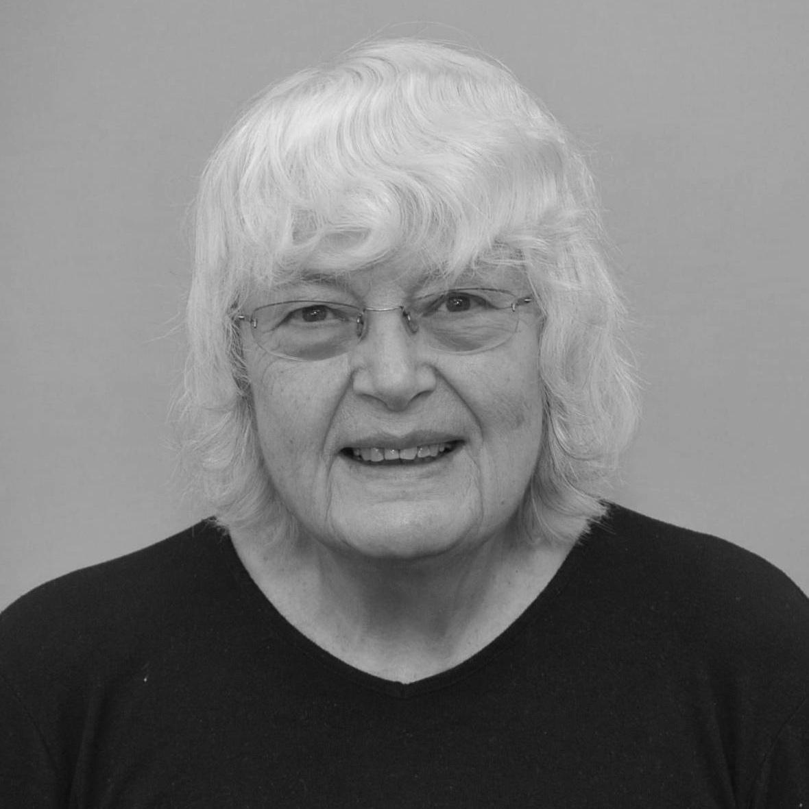 Loulou Brown - Associate Editor