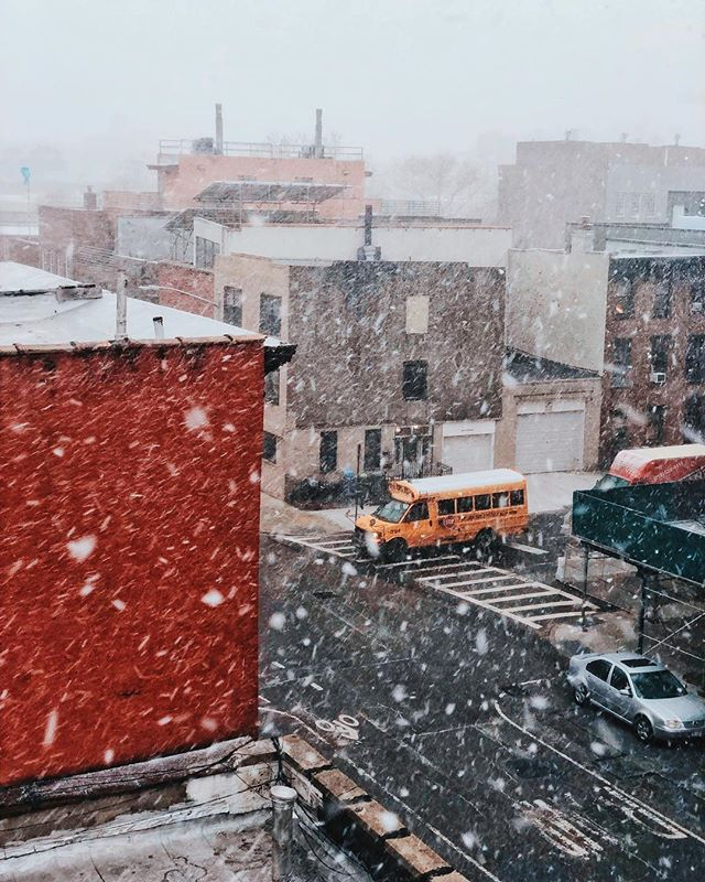 Another snow day here in Brooklyn. 😌🌨 What are your favorite snow day activities? #shotatbondstreet by @chrisbogard_ . . #bondstreetstudio #nycvideographer #studiorental #nyc #nycphotographer #nycstudiorental #photography #videography #brooklyn #brooklynphotographer #brooklynvideographer #brooklynstudio #commercialstudio #studiolighting #newyork #rooftop #nycrooftop #brooklynrooftop #rooftopphotography #snowday #snowing #snow #winter #winterwonderland #urban #urbanexplorers #cityscape #urbanphotography