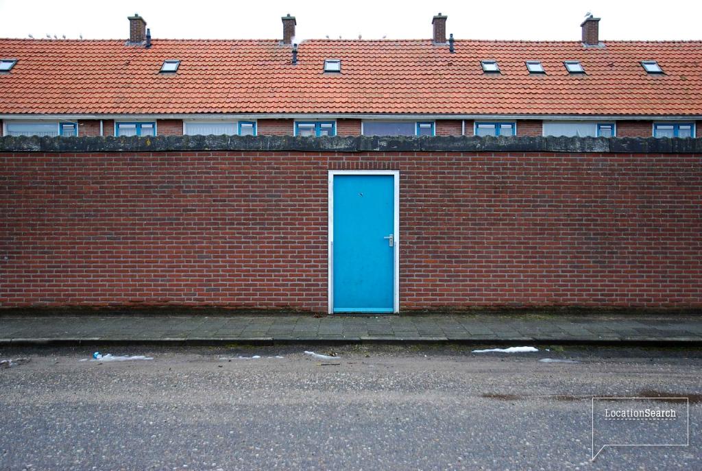 exterior-03.jpg