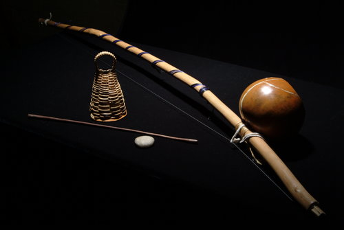 Berimbau+photo+by+Dave+Barnes.jpg