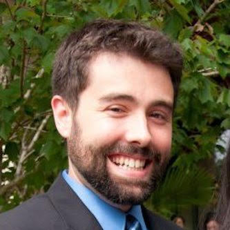 Alex Grau headshot.jpg