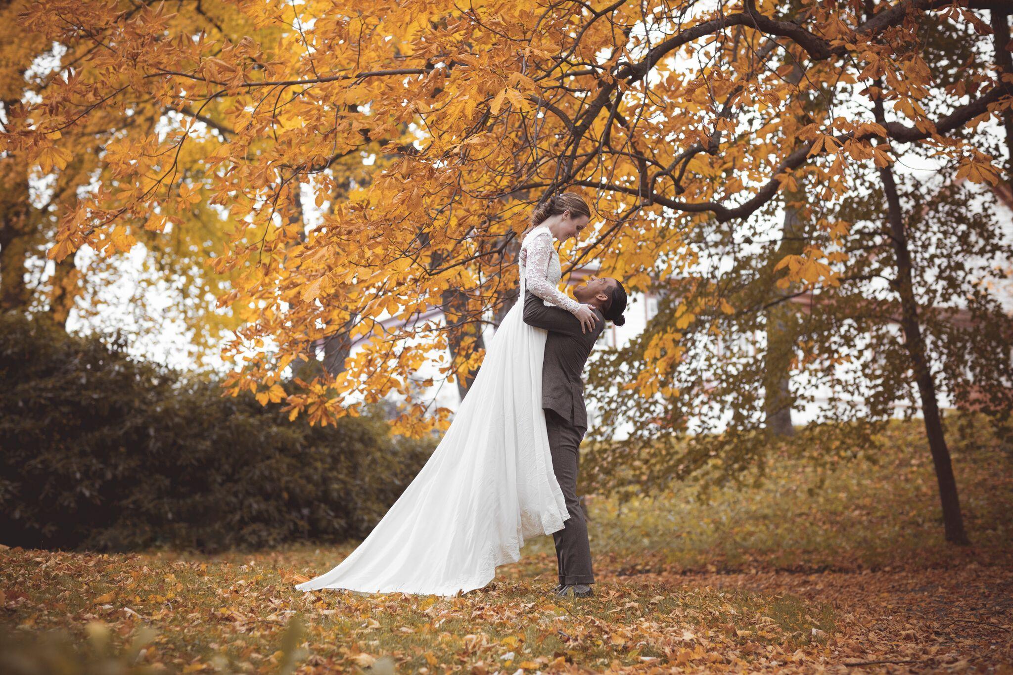 Selvfølgelig glir heller ikke denne måneden unna uten bryllup!
