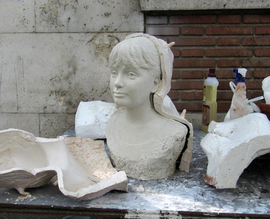 Démoulage buste de Léna