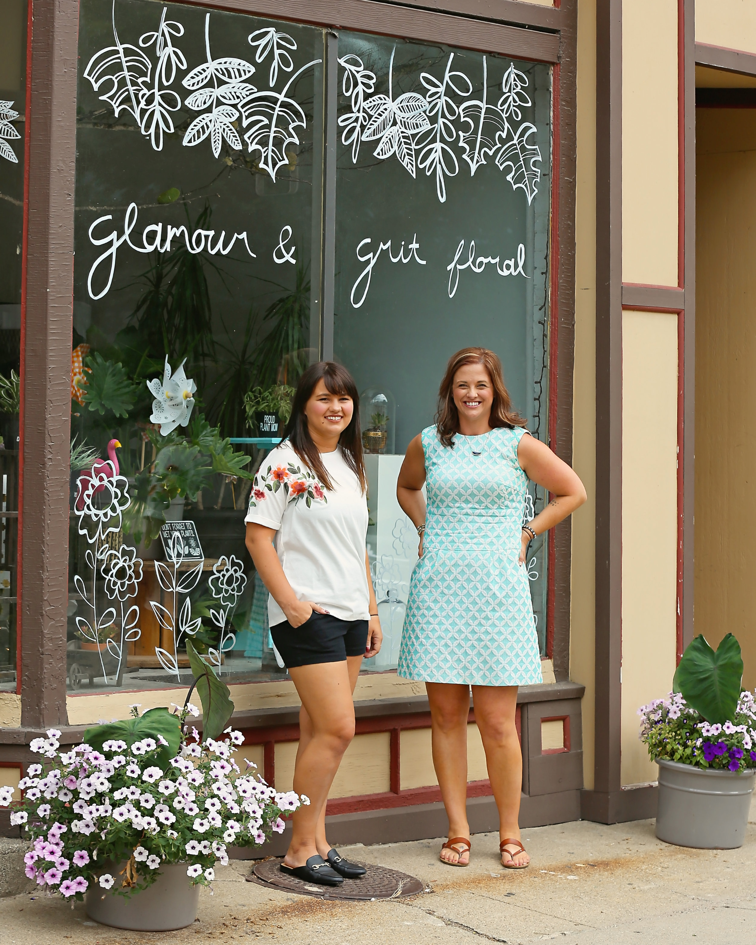 HELLO! - HEATHER GRIT - OWNER & FLORAL DESIGNERKAILEE NABER - FLORAL DESIGNER/STYLINGEMILY FITTON - FLORAL DESIGNER & ORGANIZATIONAL EXTRAORDINAIRE (TOO COOL FOR TEAM PHOTO)