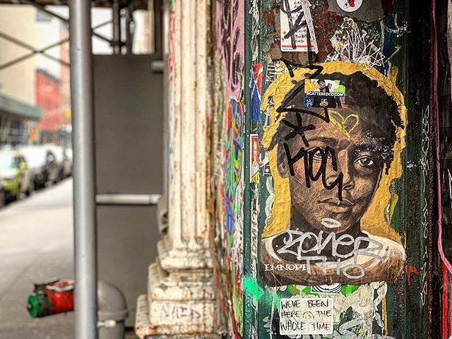 His gaze slays me. #nycstreetart #streetart #soho #wheatpastenyc #wheatpaste #wheatpasteart