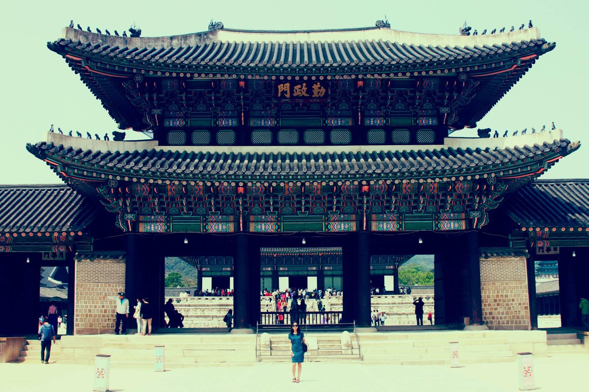 Gyeongbok Palace (경복궁), my favorite palace.