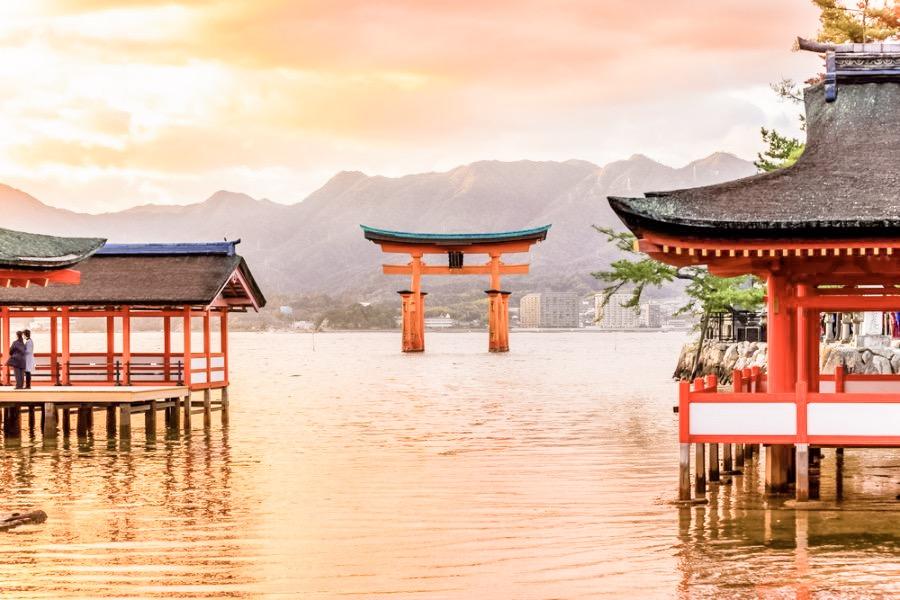 The iconic floating shrine and Otorii on Miyajima (宮島) Island.