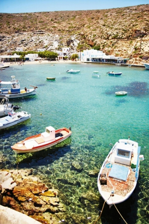 view-of-cheronissos-fish-taverna-sifnos-greece-conde-nast-traveller-11april16-david-loftus.jpg