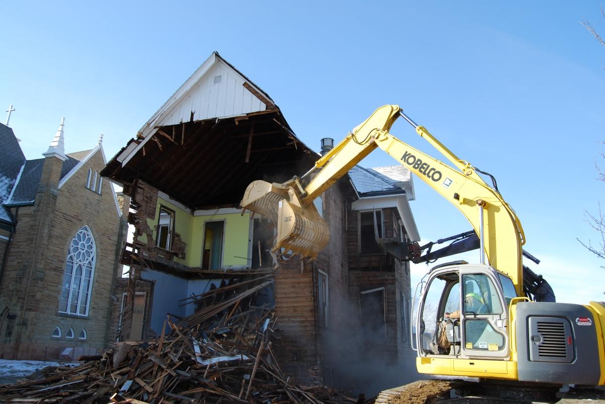 Demolition-Services-in-Bristol