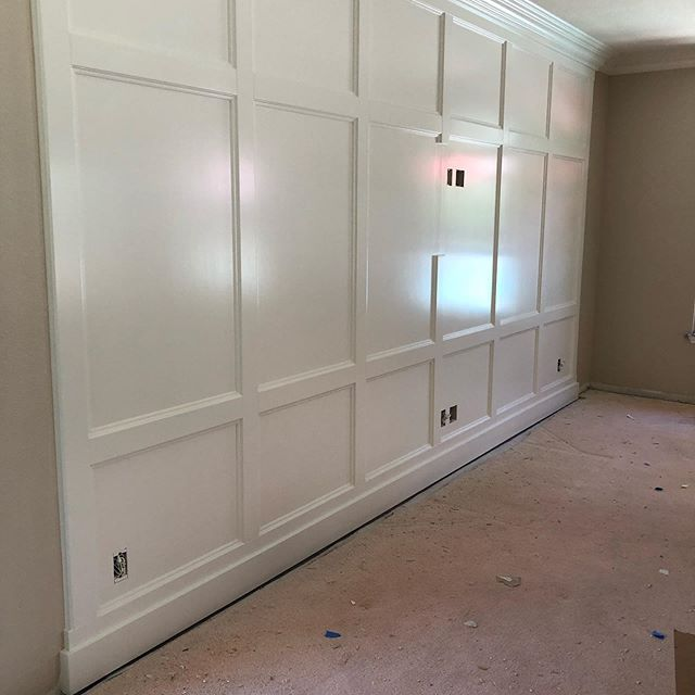 This remodel in the final stages... It's going to be quite the transformation! #paneledwall #customcabinets #quartzcountertops #arabesquebacksplash #yubacityinteriordesigner #lovemyjob #classicblindsanddesign