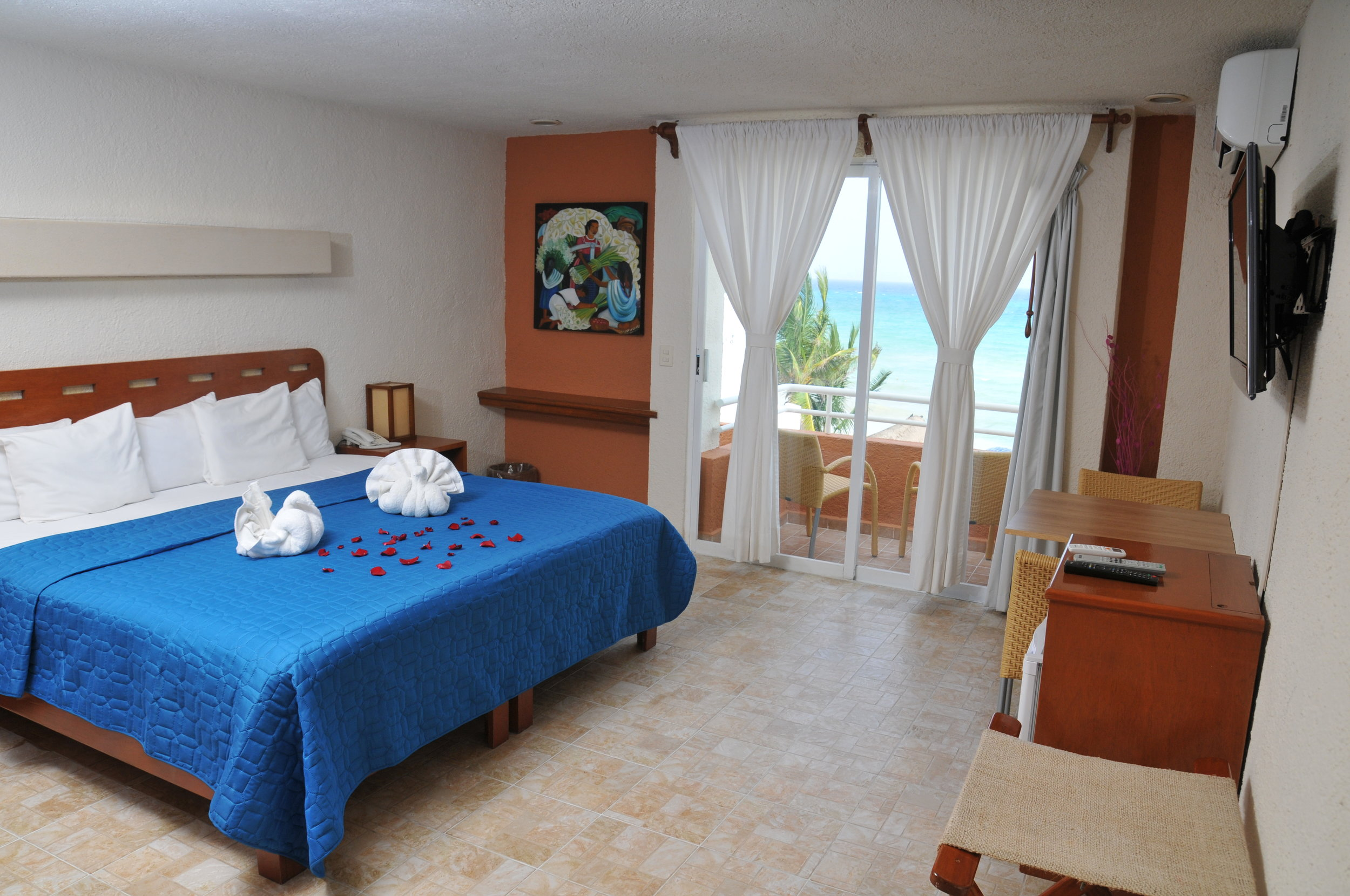 Deluxe Balcony: our best ocean views, king bed