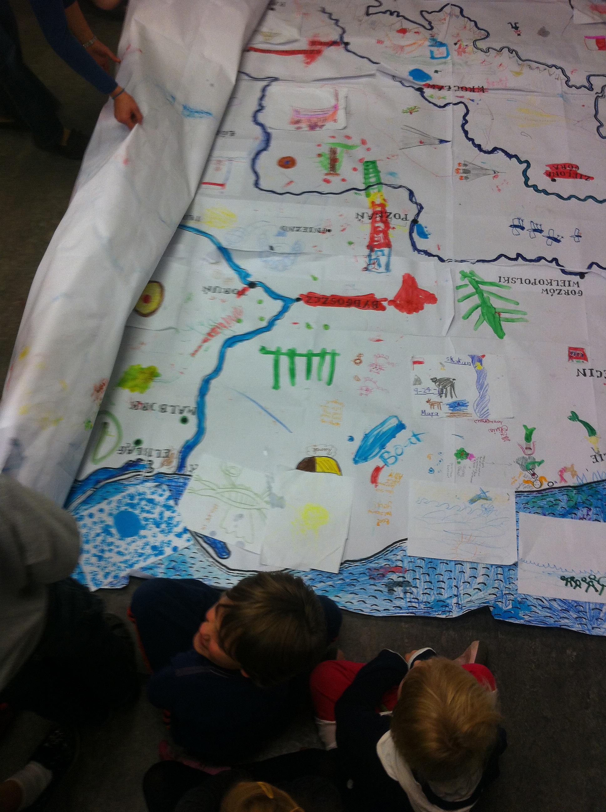Drawing Poland at local Polish school.