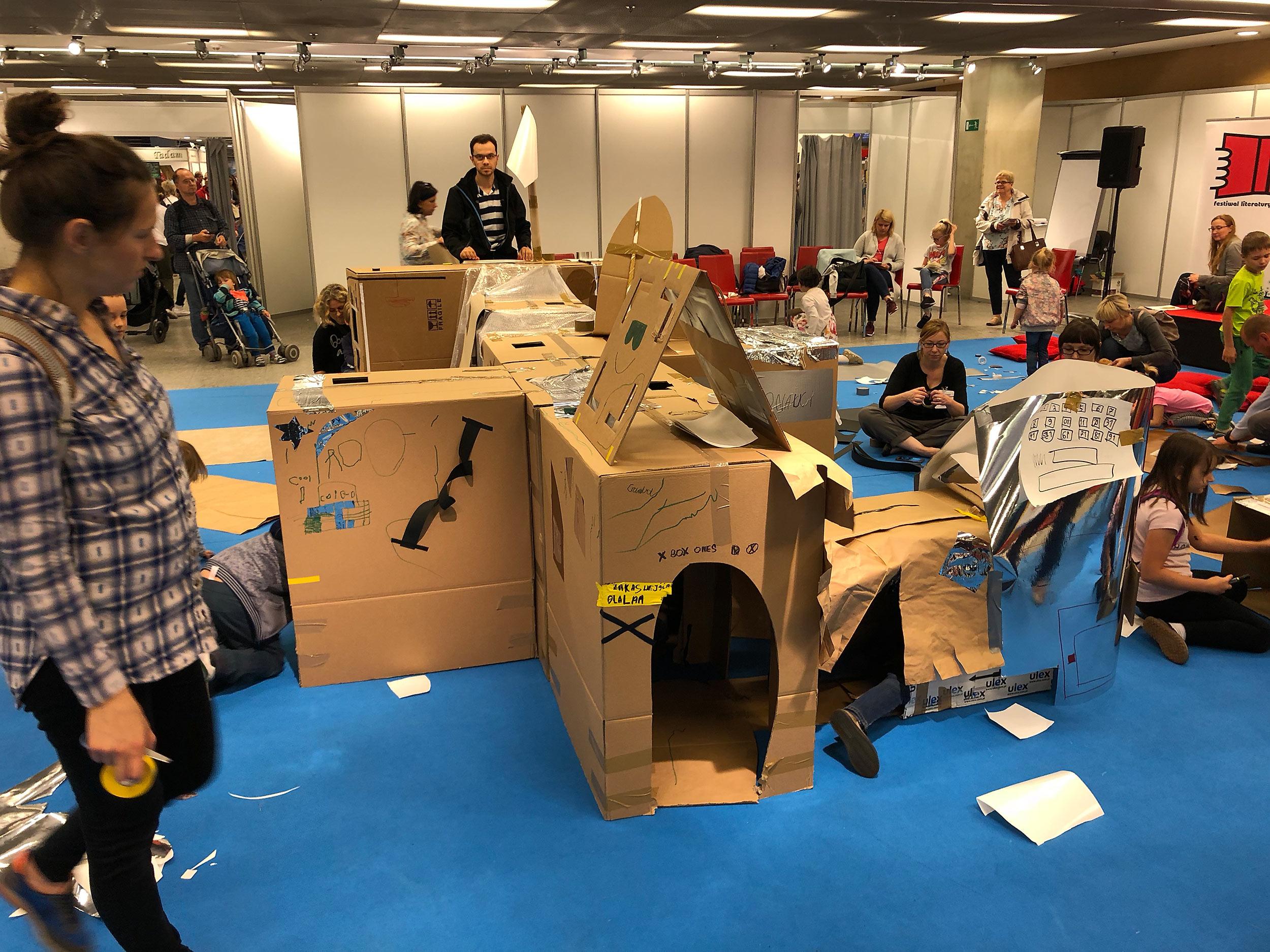 """Tu jesteśmy"" workshop at Warsaw Book Fair"