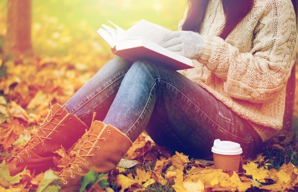 woman_in_park_with_book.jpg