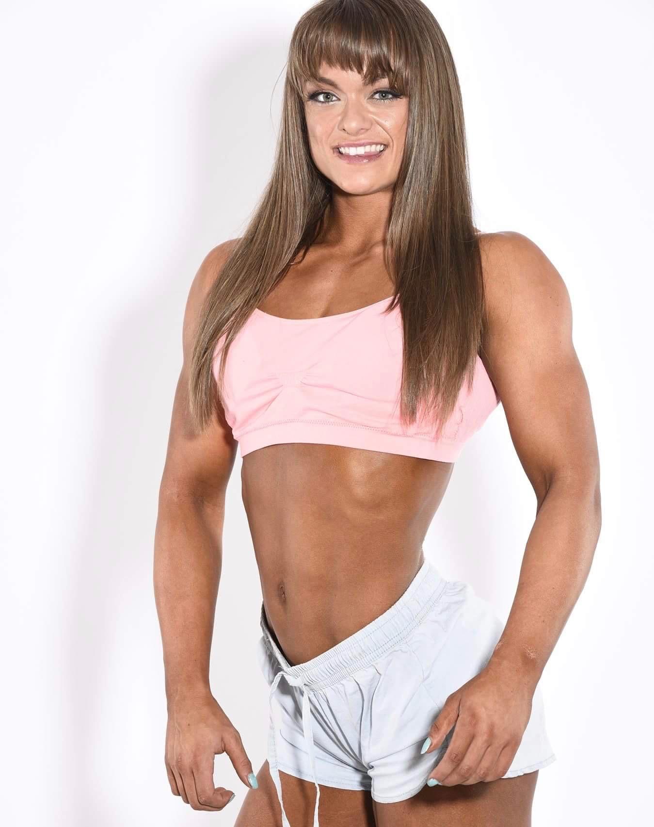 Flex Fitness Winnipeg Jessi thumbnail 5 2.jpg