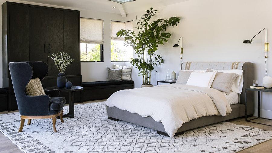luxurious-master-bedroom-sun-1114.jpg