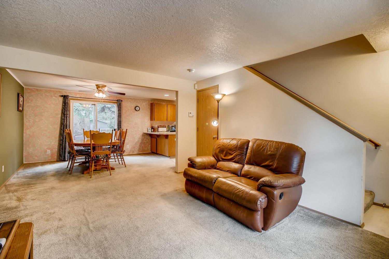 10149 N Tioga Ave Portland OR-large-006-13-Living Room-1500x1000-72dpi.jpg