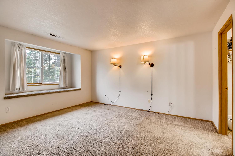 10149 N Tioga Ave Portland OR-large-015-28-2nd Floor Master Bedroom-1500x1000-72dpi.jpg