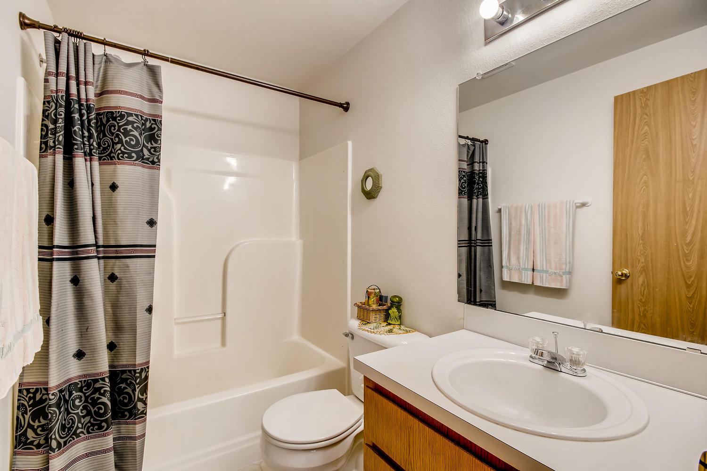 10149 N Tioga Ave Portland OR-large-018-9-2nd Floor Master Bathroom-1500x1000-72dpi.jpg